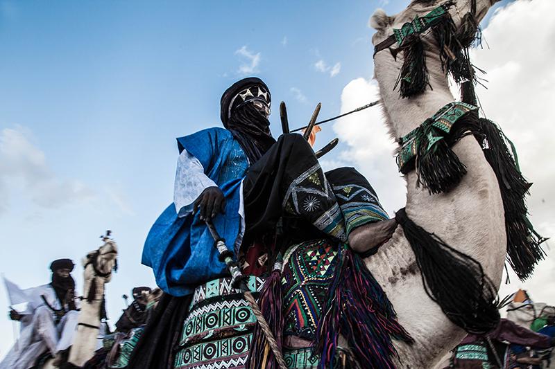 Course de chameaux, concerts, défilés ou concours de poésie touareg font partie des festivités. Mais selon un des membres du jury, il y a beaucoup moins de participants qu'avant.