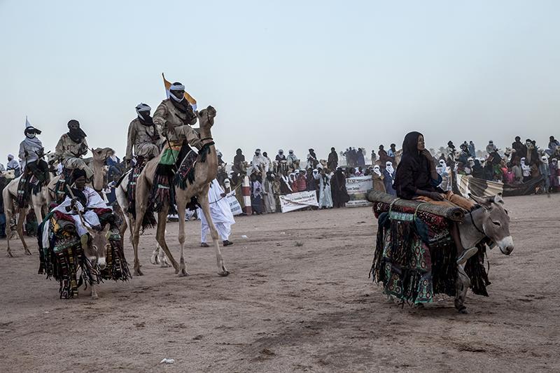 Parade fantasia, concerts, ou courses de chameaux font partie des festivités. Mais selon un des membres du jury, il y a beaucoup moins de participants qu'avant.