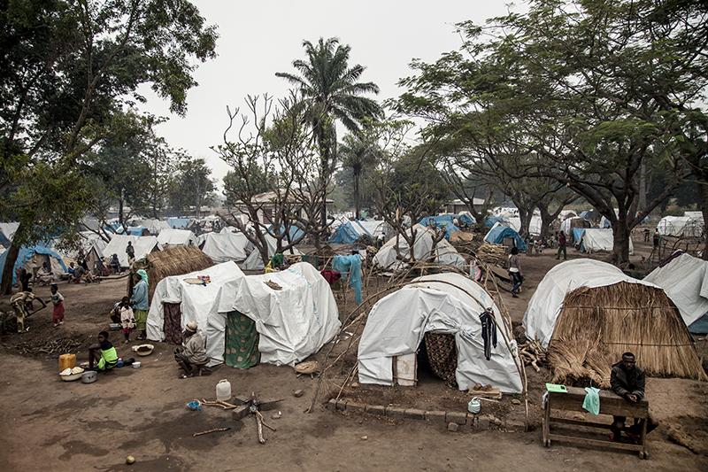 L'aide humanitaire est insuffisante. Les Chrétiens de Bossangoa vivent à la mission dans des conditions sanitaires déplorables, partagées par les centaines de déplacés musulmans qui ont fui après des attaques des milices anti-balaka.