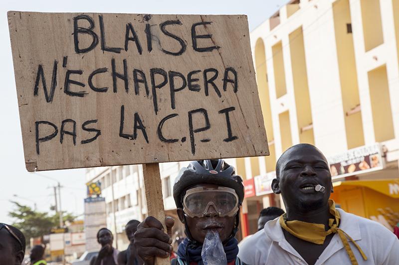 Certaines affaires, comme la mort du journaliste Norbert Zongo assassiné en 1998 dans des circonstances encore non élucidées, ou même les circonstances de l'assassinat de Thomas Sankara pourraient amener Blaise Compaoré à devoir répondre devant la justice.