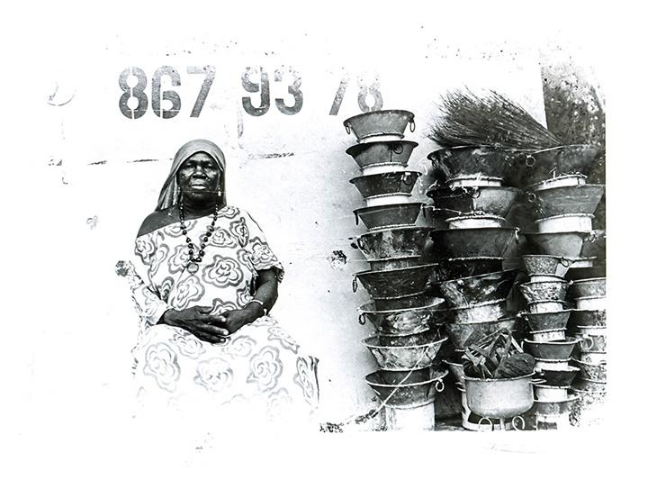 Apparition. Série 'Dans ma rue'. Dakar, Sénégal. 2010